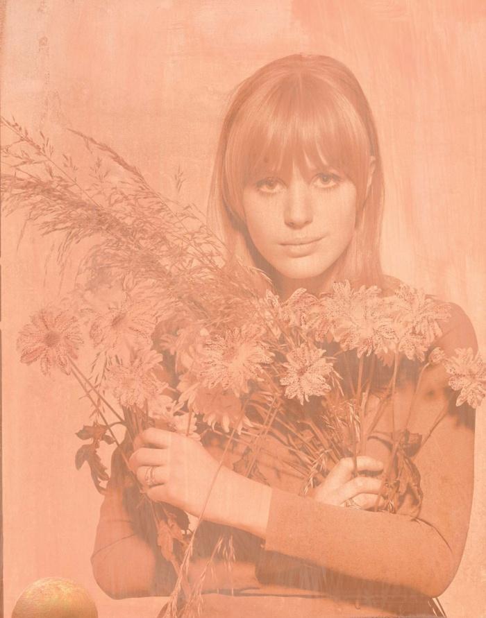Marianne Flowers – Powder Peach 2017 featuring Marianne Faithful